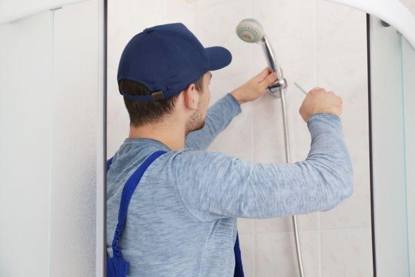 montaż wymiana kabiny prysznicowej gdańsk zamontowanie prysznica brodzika